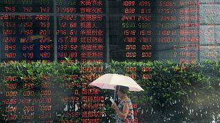 Συνεχίζονται οι κλυδωνισμοί στα παγκόσμια χρηματιστήρια