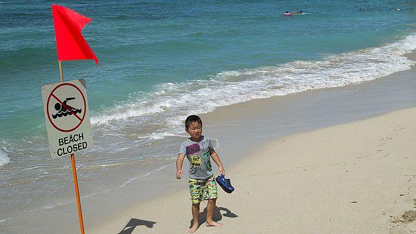 Sewage spill hits Honolulu's Waikiki Beach