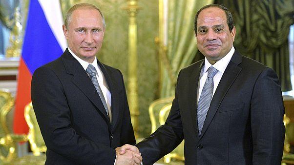 Erősödik az orosz-egyiptomi tengely