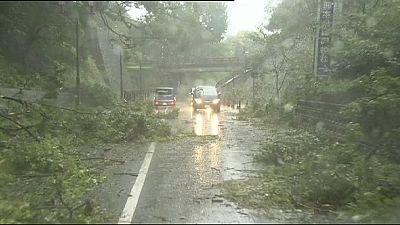 El tifón Goni se adentra en Rusia desde Japón