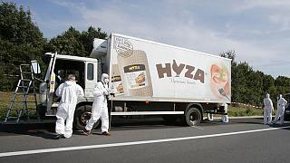 В Австрии нашли грузовик, набитый трупами нелегалов