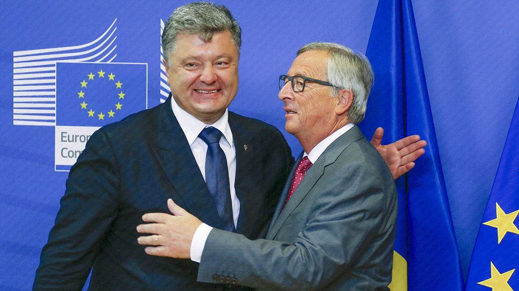 Poroshenko habla en Bruselas del repunte de la violencia en Ucrania
