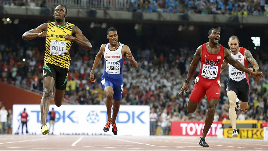 Bolt dominates 200m to complete the world championship sprint double