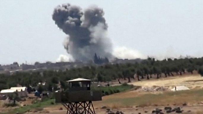 """Сирия: Турция и США бомбят позиции ИГИЛ, чтобы создать """"зону безопасности"""""""