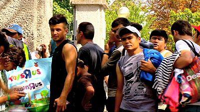 Cientos de inmigrantes duermen en la calle en Austria