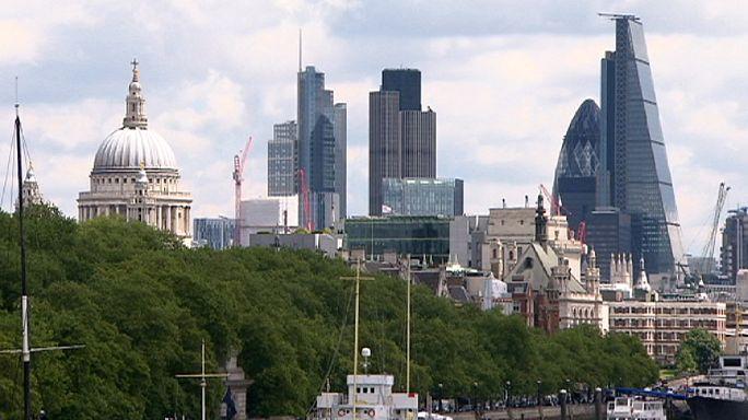 Британская экономика растет десять кварталов подряд
