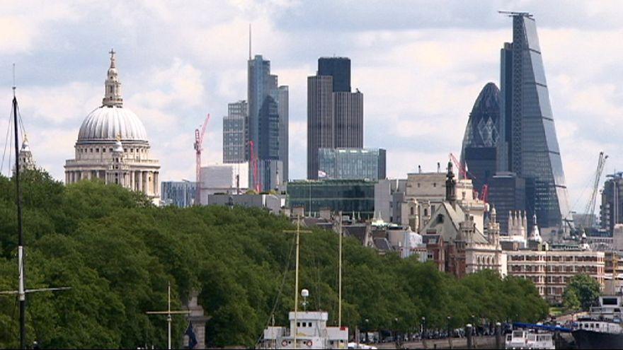 Gran Bretagna, Pil +0,7% nel 2° trimestre grazie a export e investimenti