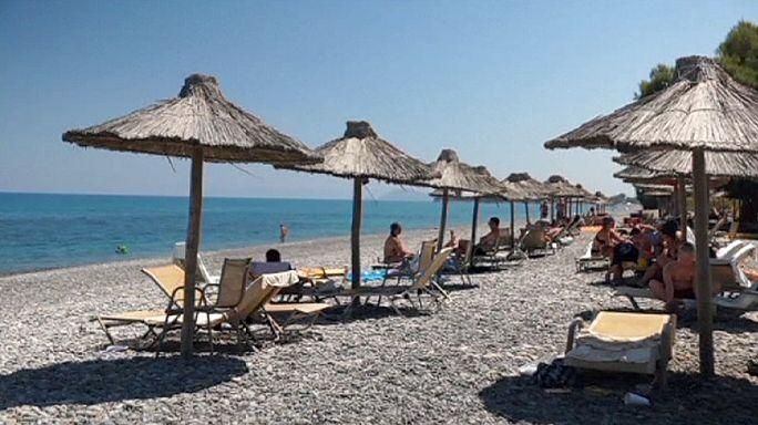 Tömegével költöttek az emberek Görögországban a tőkekontroll előtt