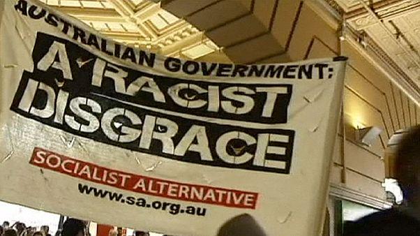 Avustralya'da vize kontrolüne karşı protestoculardan zafer