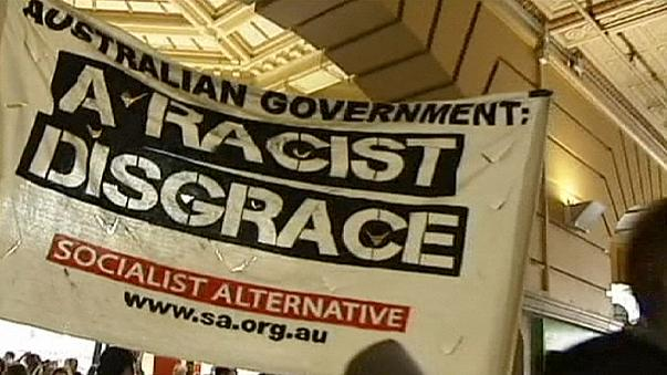 Proteste kippen umstrittene Polizeikontrollen im australischen Melbourne