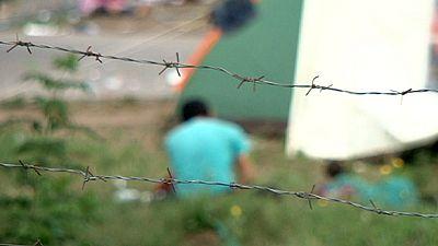 """Avant l'achèvement de son """"mur"""", la Hongrie fait face à un afflux record de migrants"""