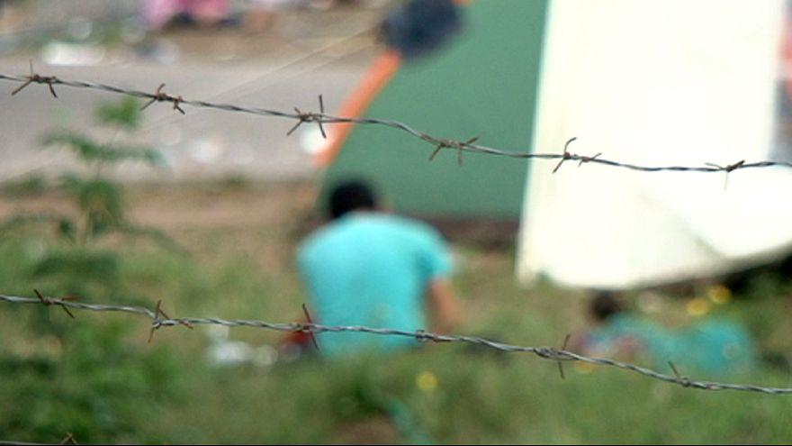 Hungria, um muro que não chega para conter uma crise