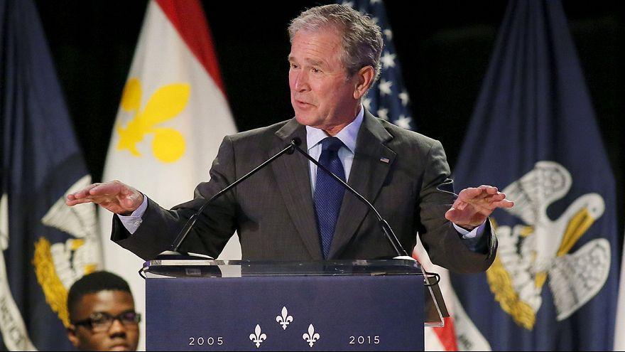 """Bush regressa à Nova Orleães dez anos após a passagem do """"Katrina"""""""