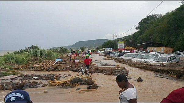 La tempête Erika ravage la Dominique et poursuit sa route dans les Caraïbes