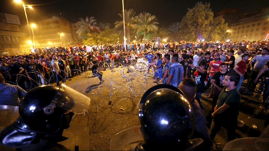 Massendemonstrationen im Irak