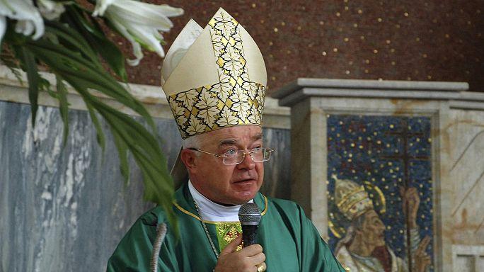 Vatikan'da yüksek seviyedeki ilk pedofili soruşturması ölümle kapandı