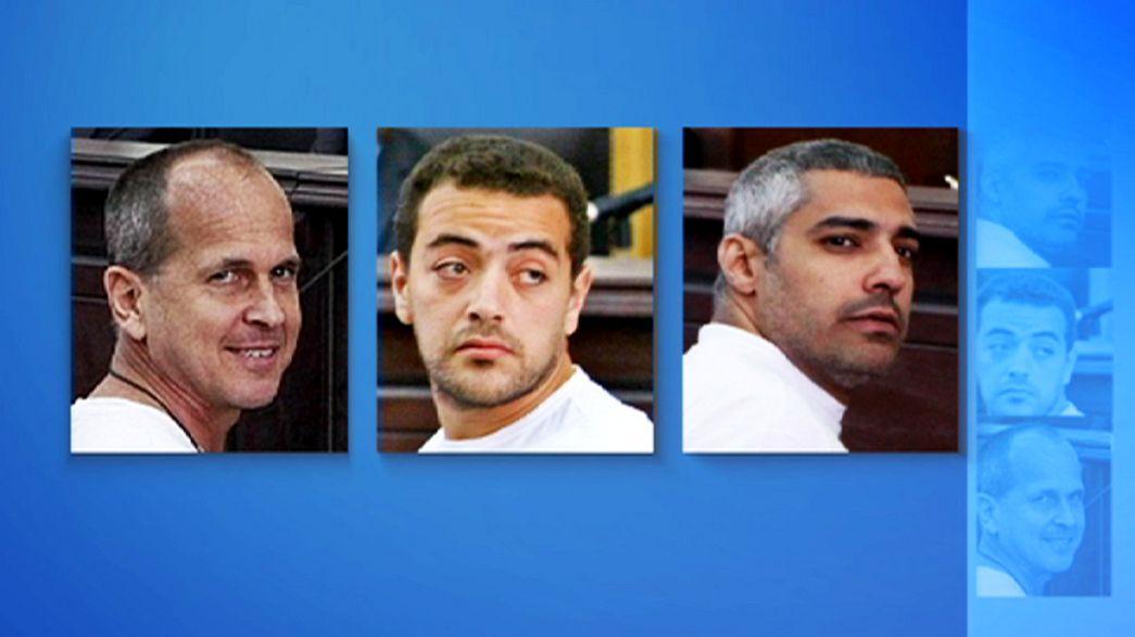 Un tribunal de Egipto condena a tres años de prisión a tres periodistas de AlJazeera