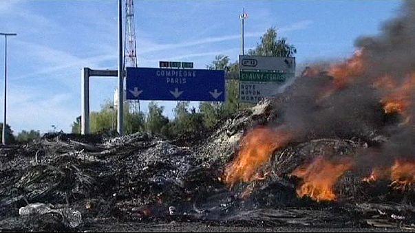 Französische Autobahn A1 weiterhin gesperrt