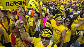 Malaysia: Protesters demand resignation of PM Najib Razak over financial scandal