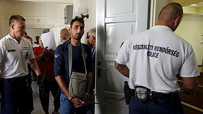 اعتراض شاحنة غرب النمسا بداخلها 26 مهاجراً