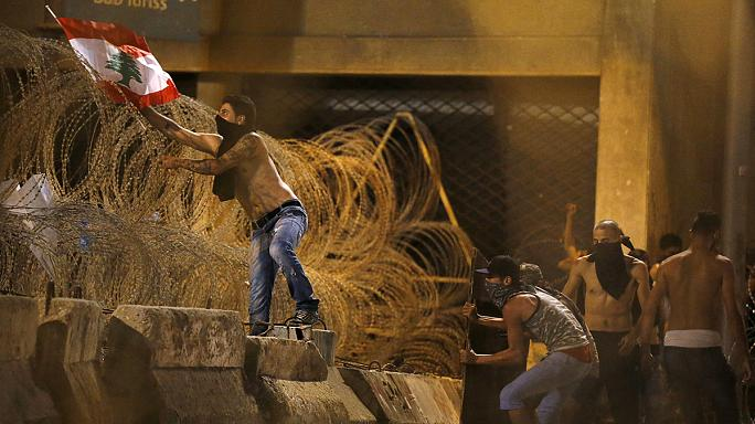 Бейрут: антиправительственная акция завершилась беспорядками