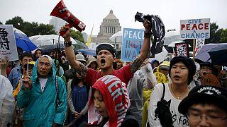 Японцы против милитаризации внешней политики