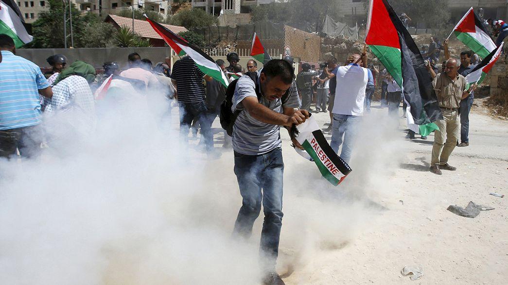 Protesta de cristianos palestinos contra la construcción de un muro en Cisjordania