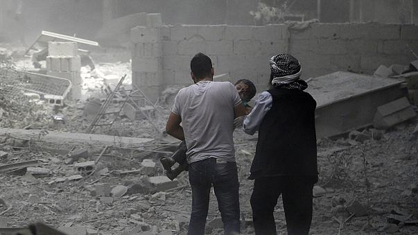 Suriye'de rejim uçakları sivilleri bombaladı