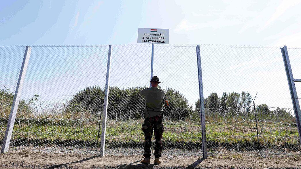 Crisi migranti: 2500 arrivi al Pireo. In Ungheria la situazione sembra sfuggita di mano