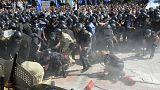 Scontri tra polizia e estrema destra a Kiev, un agente ucciso