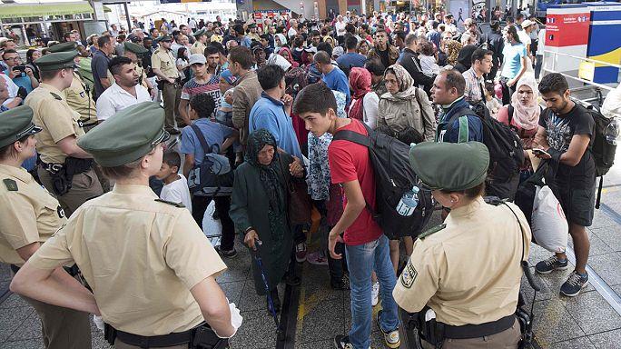 La estación de Munich, saturada: trenes con cientos de refugiados llegan a Alemania desde Hungría