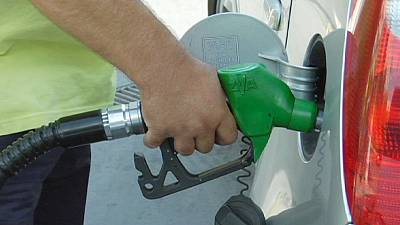 Oil price slump resumes as traders see slowdown compound glut