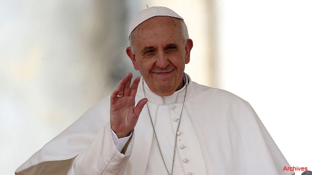 """El papa concede la absolución del """"pecado del aborto"""" durante el Jubileo."""