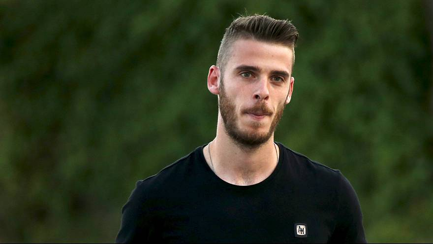 Goalkeeper De Gea to stay at Man United after Real Madrid deal collapses