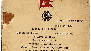 Elárverezik a Titanic utasainak utolsó ebédétlapját