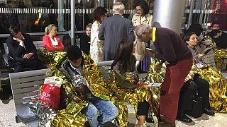 Manş Tüneli'ne girmeye çalışan mülteciler Eurostar seferlerini durdurdu