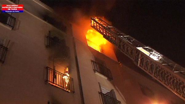 Paris'te son on yılın en büyük yangını :8 ölü