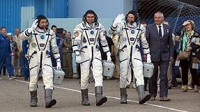 International trio blast off to Space Station