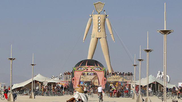 """تواصل فعاليات مهرجان """"الرجل المحترق"""" في صحراء نيفادا"""