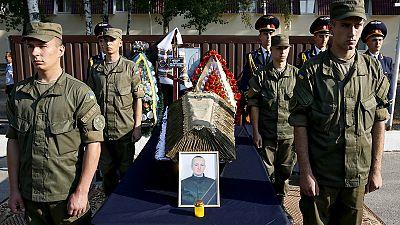 Funeral por uno de los tres soldados muertos en la manifestación de Kiev