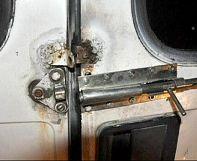 Austria: Afghan teenagers rescued from van which had doors welded shut