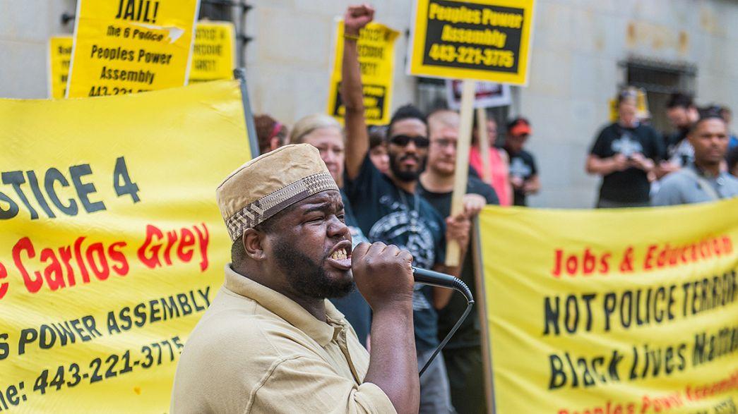 EEUU: La Justicia mantiene los cargos a los seis policías imputados en el caso de Freddie Gray