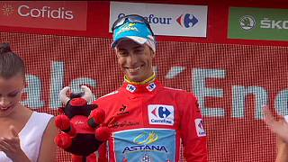Aru takes Vuelta lead as Froome's title hopes coming crashing down