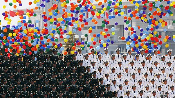 China exhibe nuevo armamento en el desfile que conmemora su victoria sobre Japón