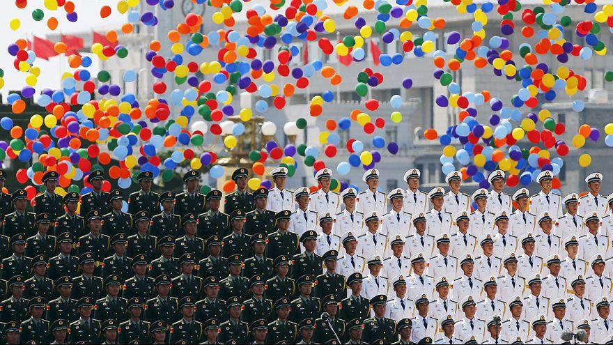 China vai cortar 300 mil efetivos das forças armadas
