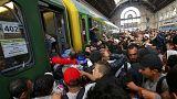 Ungheria: migranti prendono d'assalto il treno per Vienna, che non parte