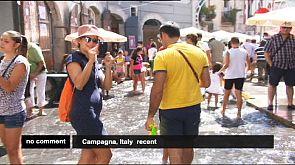 Italien: Wasserschlacht in Campagna