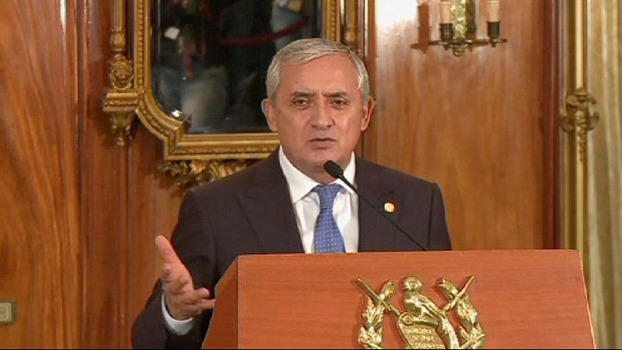 Presidente da Guatemala demite-se na iminência de ser detido
