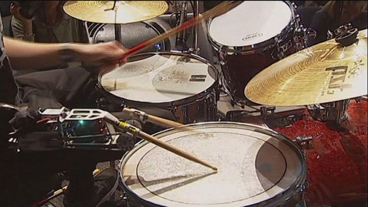 'Cyborg drummer' shows off his skills in Australia