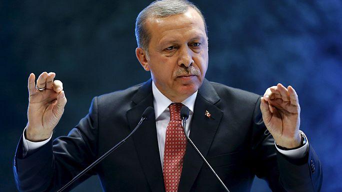 Menekültválság: Erdogan a Nyugatra mutogat